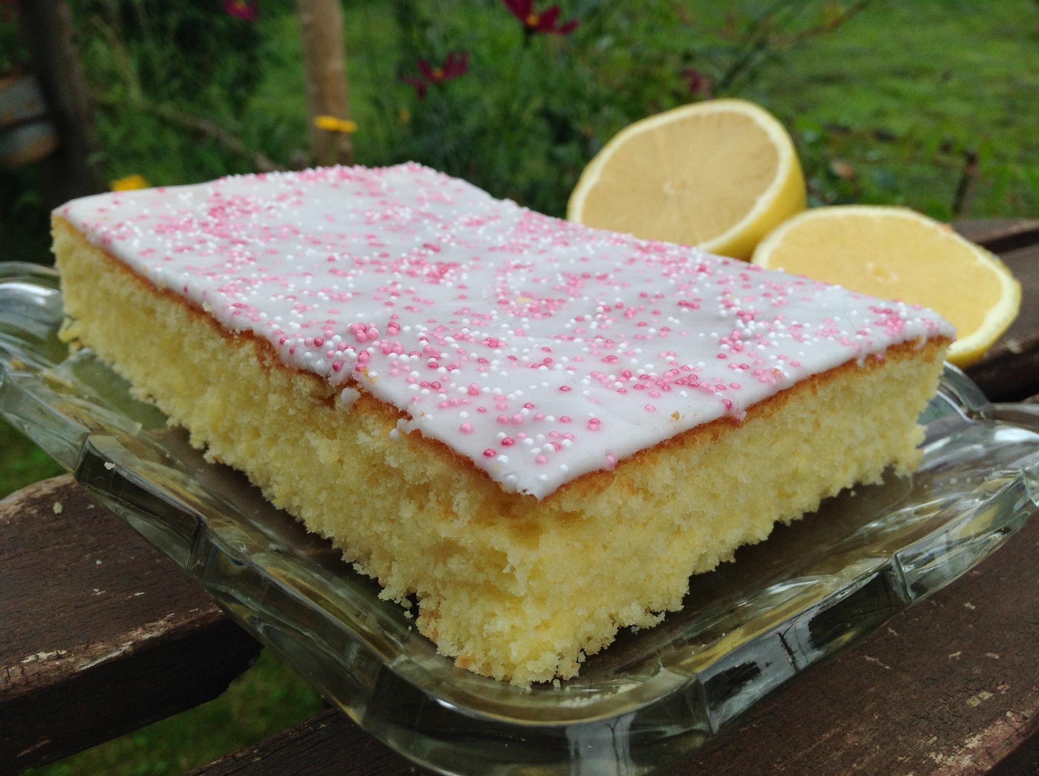 Zitronen buttermilch kuchen for Kuchen design