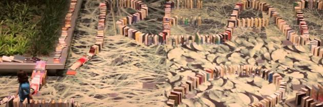 Wereldrecord: domino met 2.131 afgeschreven bibliotheekboeken