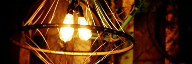 Kroonluchter van vintage fietswiel