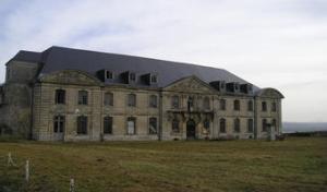 L'abbaye Saint-Vincent de Laon  (Crédits photo campings-picardie.com )  L'abbaye Saint-Vincent de Laon est fondée à Laon vers l'an 580 par par la reine mérovingienne Brunehaut. c' est  l'une des plus anciennes abbayes de la ville.