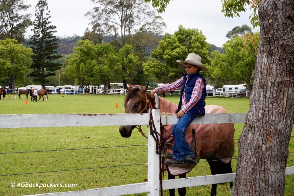 Nimbin, Concours de dressage, L'enfant qui murmure à l'oreille des chevaux