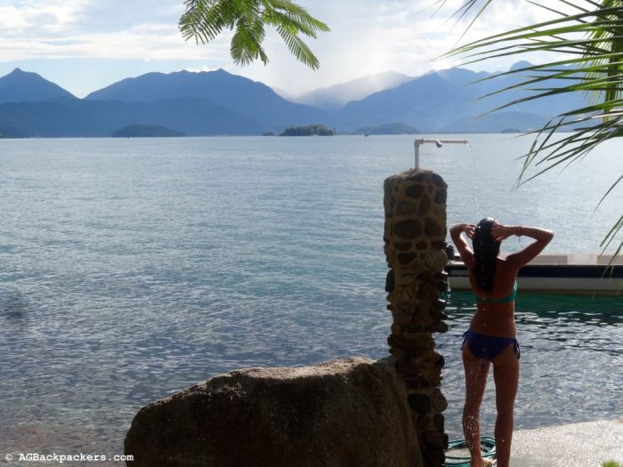 Showering in paradise - Parary Bay, Brésil