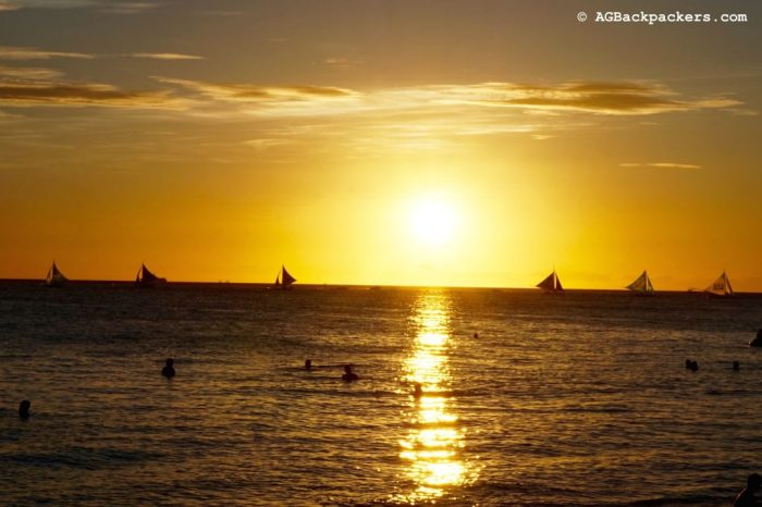 Welcome to Paradise - Sunset at White Beach in Boracay