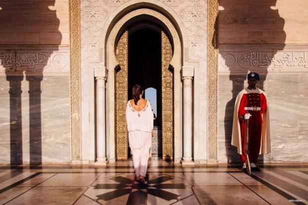 Entrée du mausolée prés de la tour Hassan à Rabat