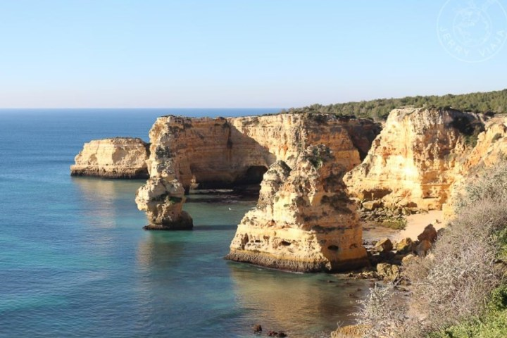 Plaia Marinha, región de Algarve, Portugal