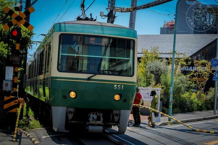 Tren Enoden Line. Kamakura-Enoshima, Japón