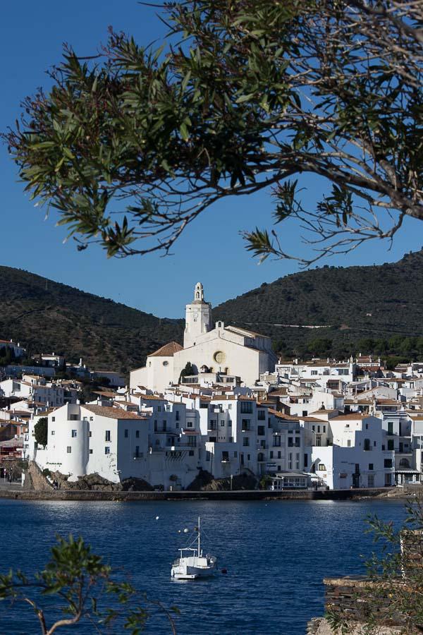 pueblo blanco de Cadaqués, Girona, Catalunya, España