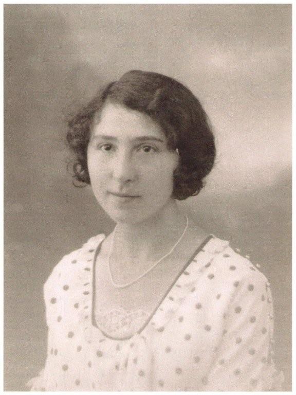 Elsie Lilian Lozuet was born - 16 October 1907