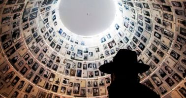 Yad Vashem Guided Tour Inside with Leontine Cohen