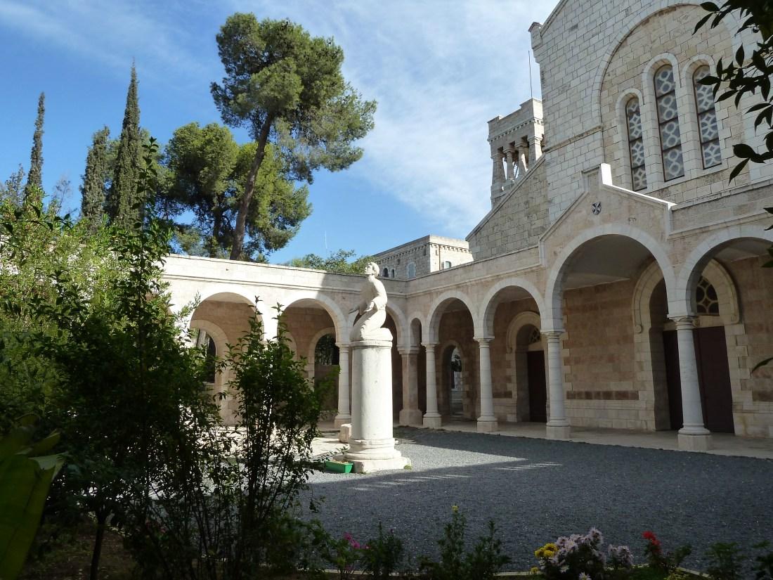 Jerusalem Tours Saint stephen church with Léontine Tour Guide Israel