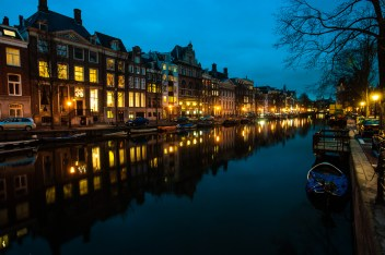 """Canal Amsterdam"""