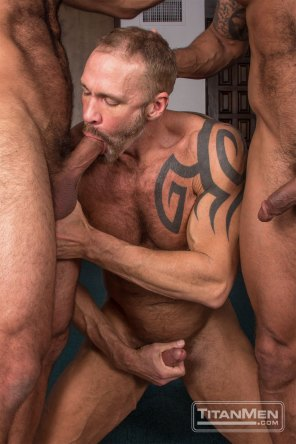 silv_action_DallasDavidVinnie_0420
