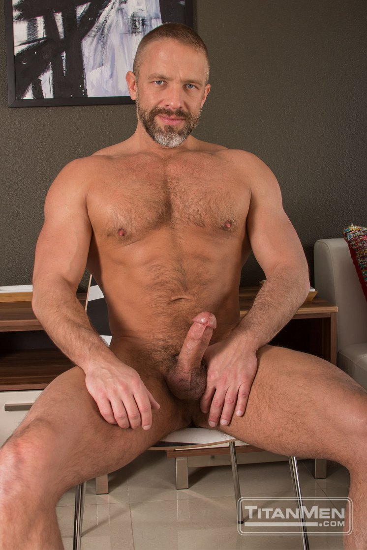 Featured Titan Man Dirk Caber