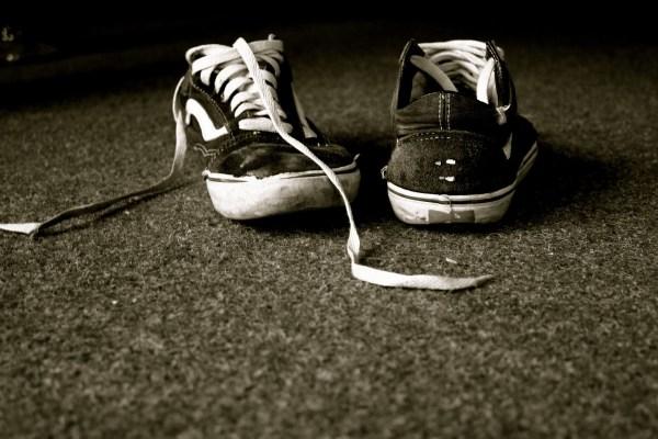 shoes-670623_1920