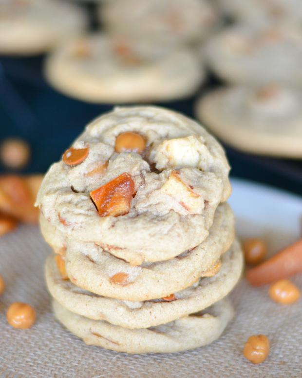Cinnamon Caramel Apple Cookies