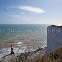 Tourists at Beachy Head, a Chalk headland and suicide spot in East Sussex. © Jess Hurd/reportdigital.co.uk
