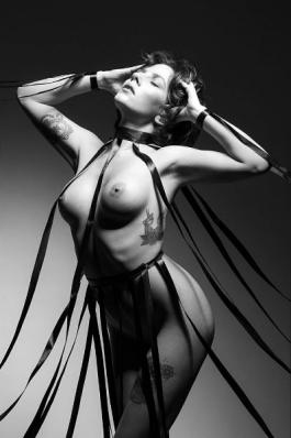 Laprimeraluz; make-up Rita Perri