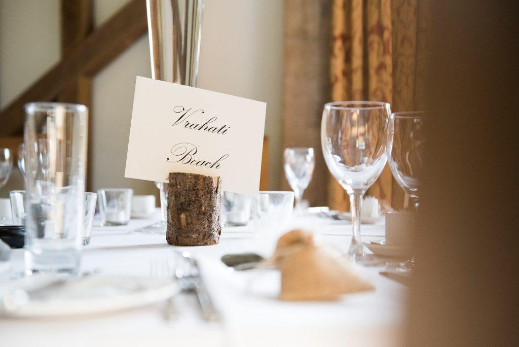 Elegant wedding table decor