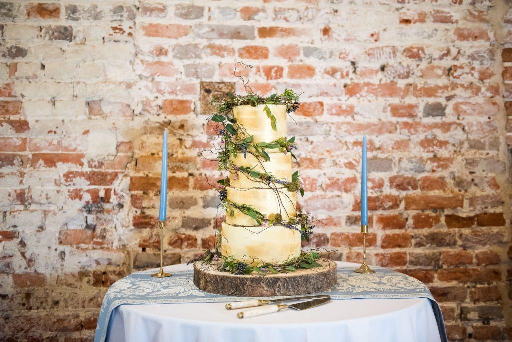 Buns For Fun gold wedding cake Norfolk