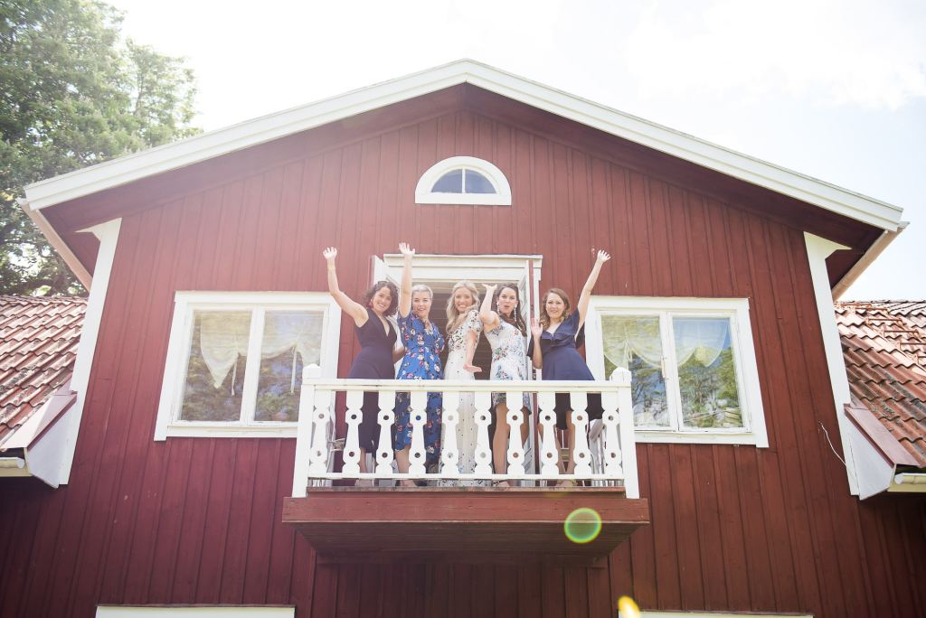 Swedish Wedding - Kroksta Gard Wedding - Fun and Spontaneous Group Photography