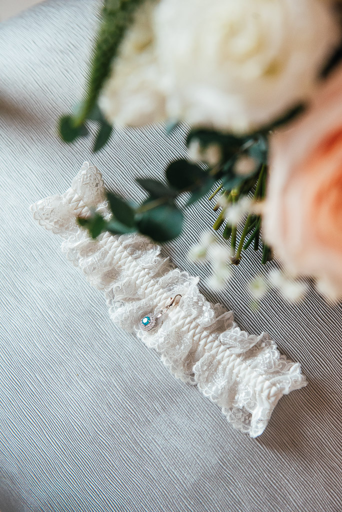Creative garter photograph