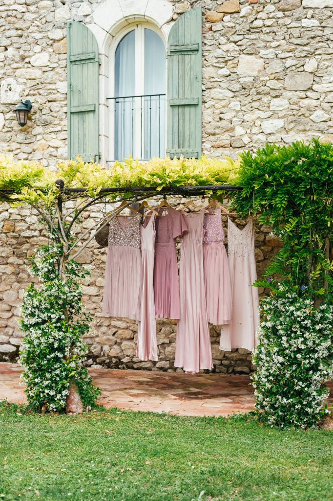 Miss matched bridesmaid dresses in shades of pink