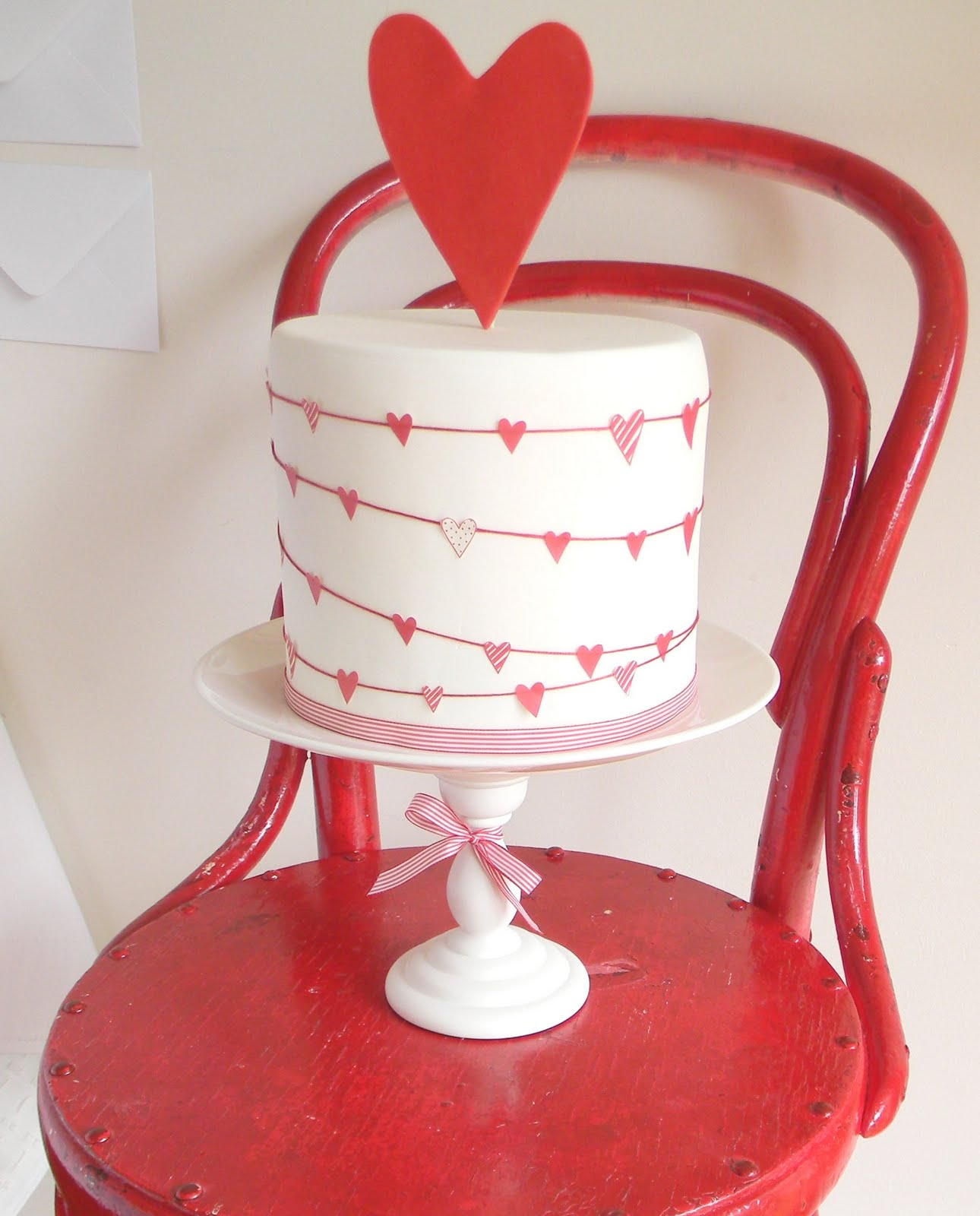 Top 8 Favorite Valentine's Day Cake Projects
