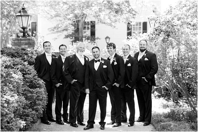 photographer lace house wedding
