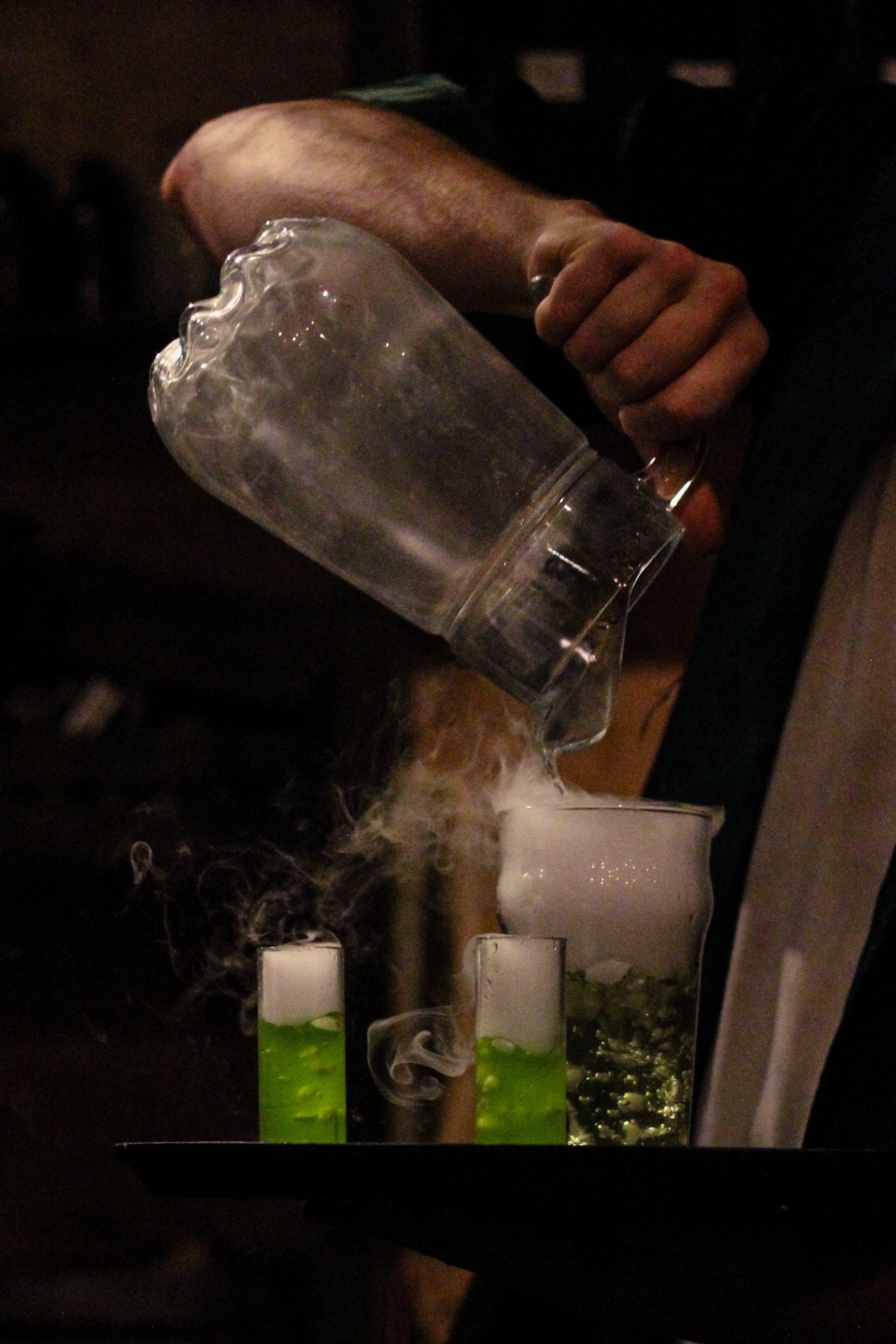 The-Cauldron-cocktail-making