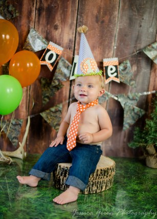 Greenfield, Indiana, Photography, Photographer, Photos, Jessica, Green, Greenfield, IN, JLCustom Photography, Jessica Green, Legler, Jessica Legler, Jessica Green Photography, 46140, Central Indiana, Indianapolis, First Birthday, Little Boy,Happy,Birthday hat,Tie,Blue Jeans,Balloons