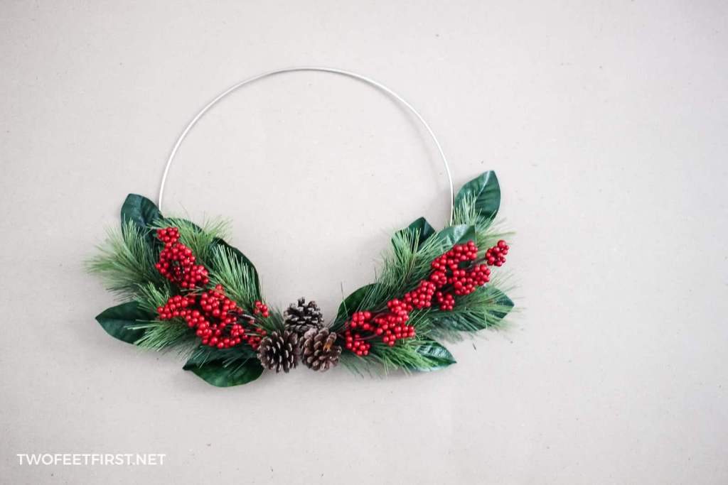 DIY Christams Wreath by Two Feet First