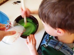 making goo, goop, silly putty