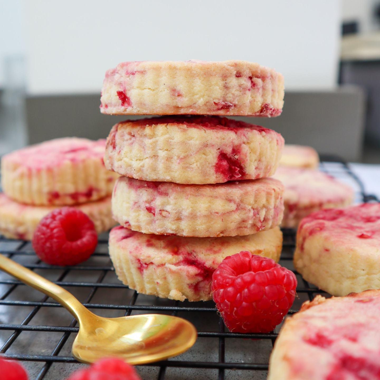 Gluten free raspberry shortbread. Quick and easy recipe.