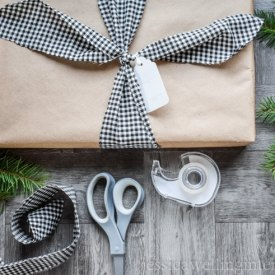 image of simple gift wrapping ideas