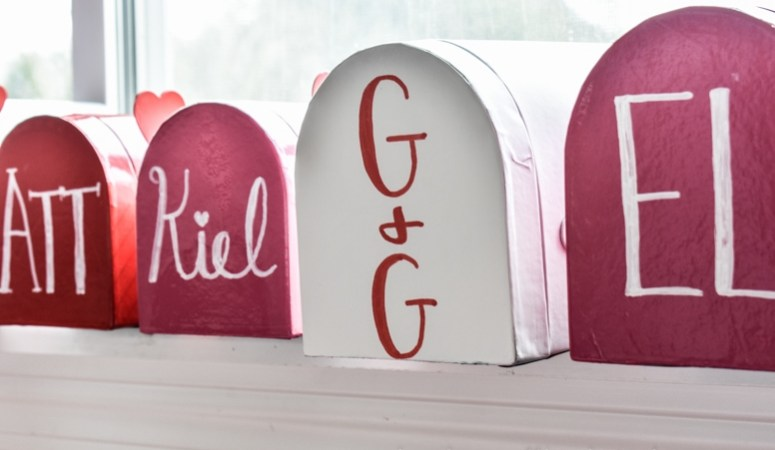 image of personalized valentine mailboxes