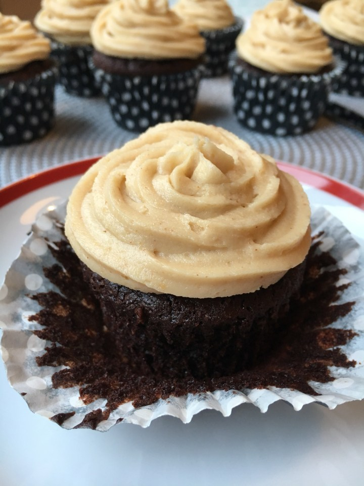 Peanut butter and Oreo cupcakes