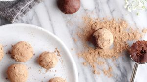 Chocolate Goji Berry Maca Truffles