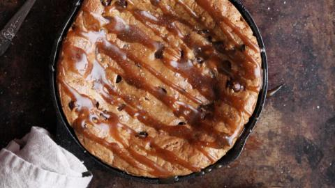 Flourless Chocolate Chip Cookie Skillet
