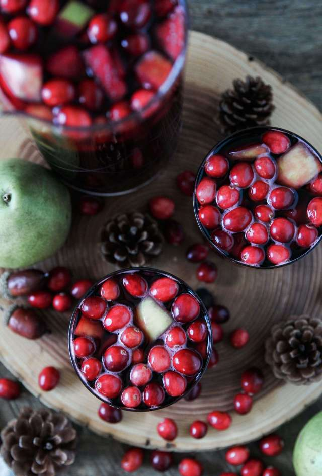 Spiced Cranberry Sangria: Jessi's Kitchen