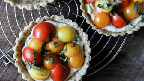 Tomato Tarts with Herbed Vegan Cream Cheese