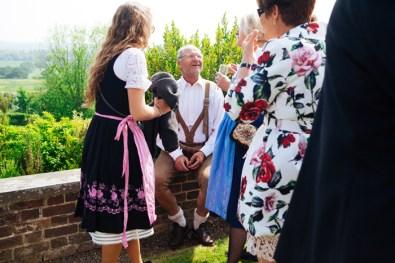 N&R-Bletchingley-Wedding-762