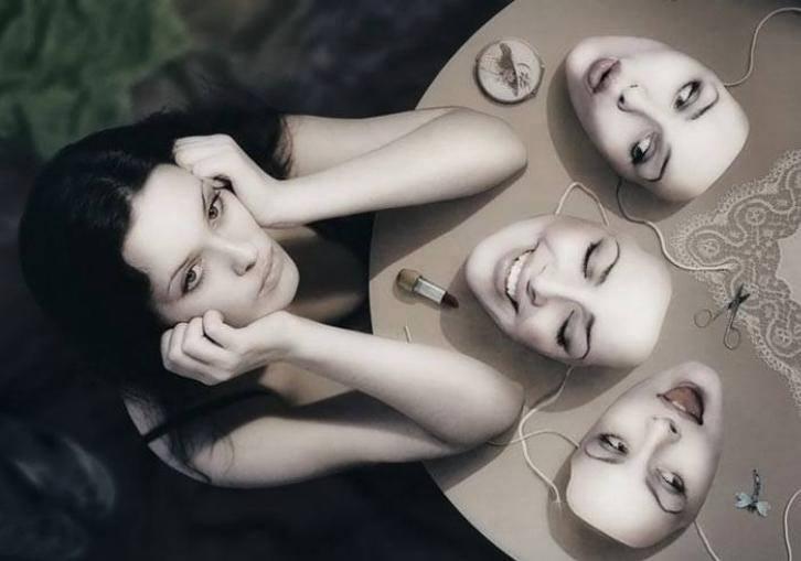 kobieta i maski