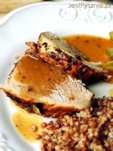 Pieczeń wieprzowa w sosie pieczeniowym