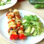 Bardzo zielona sałata z awokado i cukinią