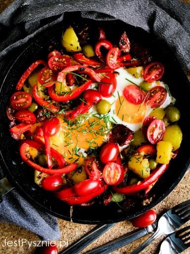Jajka sadzone z chorizo, ziemniakami i i paprykÄ…
