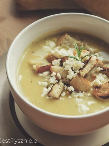 Zupa krem z ziemniaków z grzankami i fetą