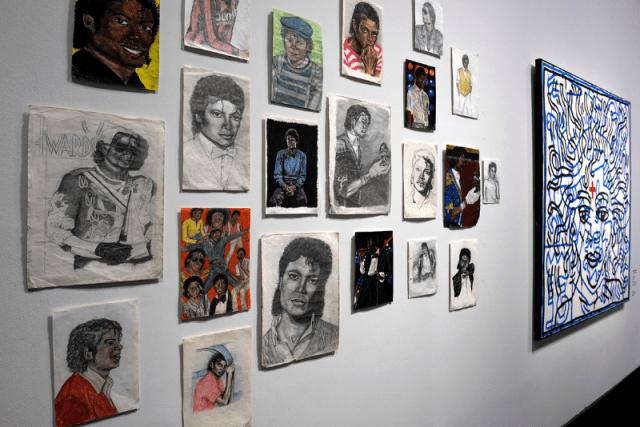 MICHAEL JACKSON ON THE WALL Photos de Presse RMN Resize (9)