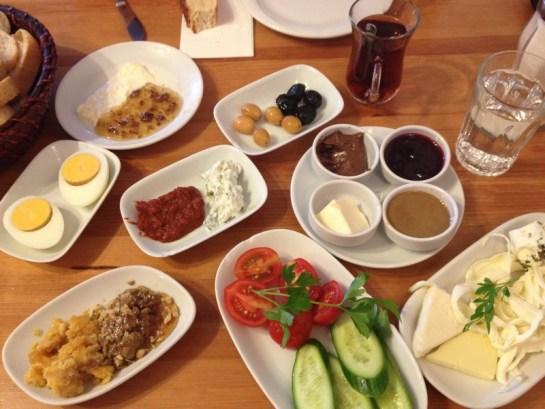 brunch-turc-van-cafe