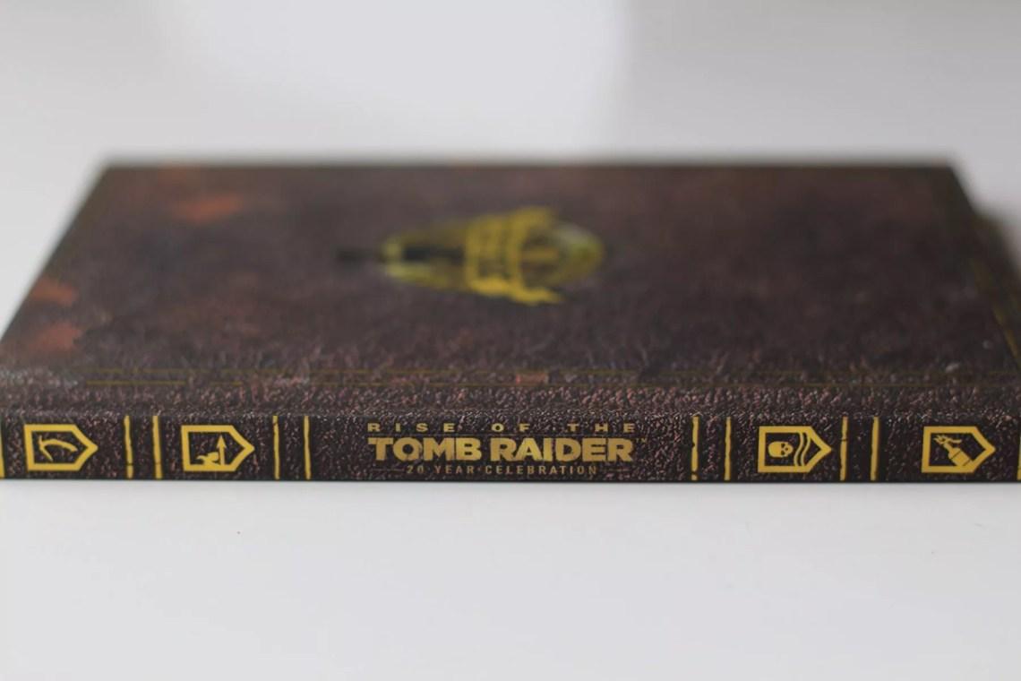 Unboxing de l'édition artbook de Rise of the Tomb Raider : 20ème anniversaire sur PS4