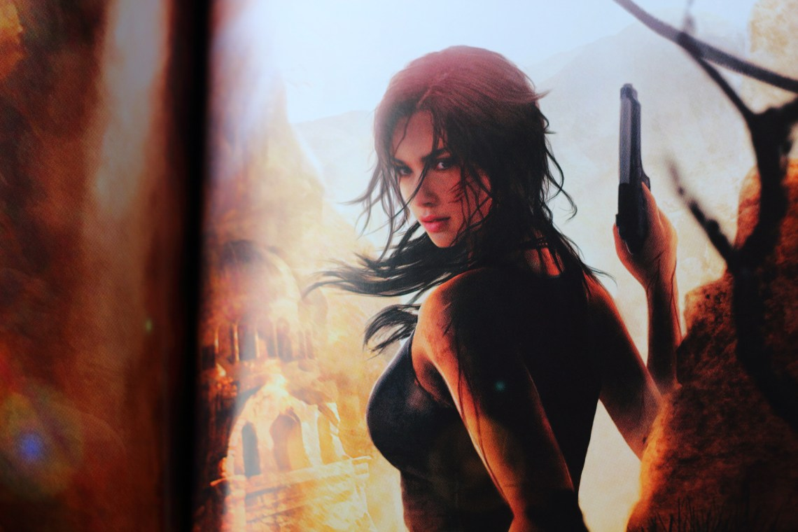 Unboxing de l'édition artbook de Rise of the Tomb Raider : 20ème anniversaire sur PS4